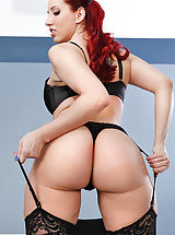Naked in addition to turned on Kelly Divine